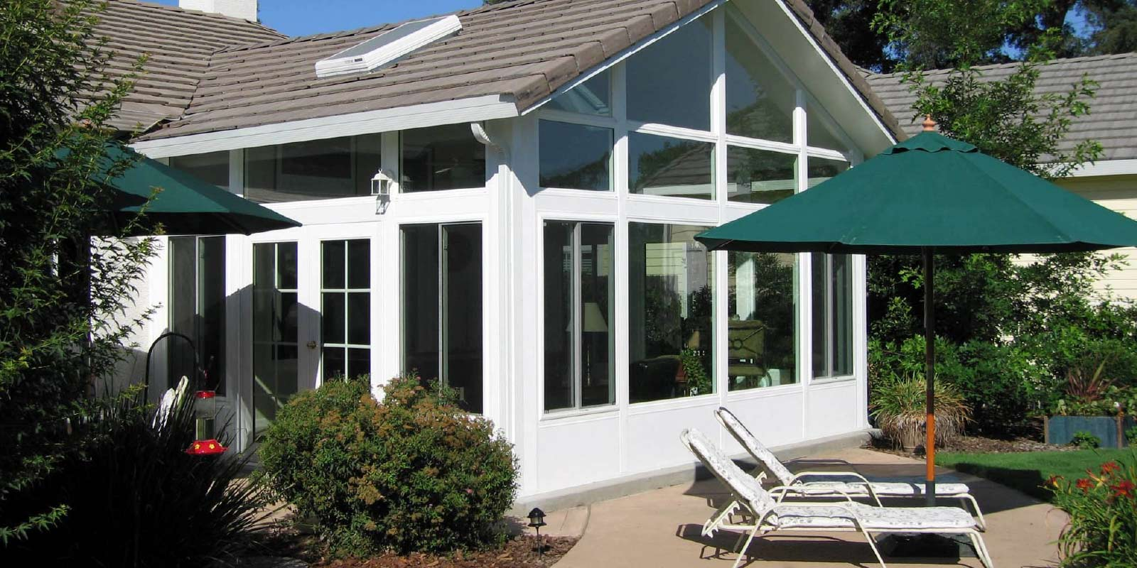 Sunroom conservatory all season room c thru sunrooms sunroom photo solutioingenieria Image collections